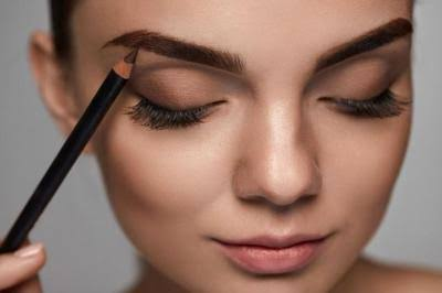 Makeup untuk kulit warna gelap