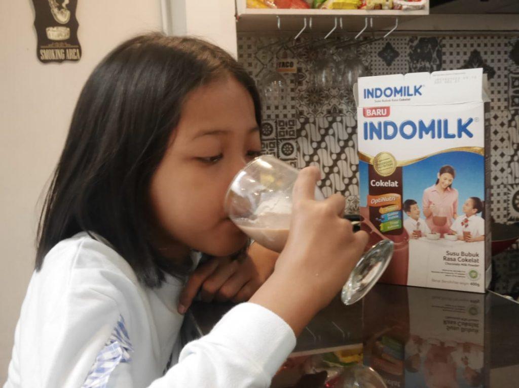 Susu bubuk untuk anak mendukung tumbuh kembang anak usia sekolah