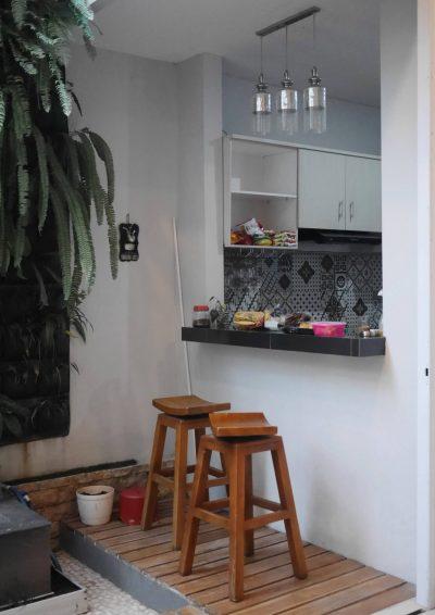 Pantry di area dapur Omah Tentrem 55 Jogja