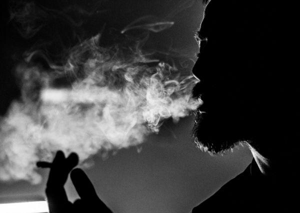 Bahaya asap rokok bagi perokok aktif dan perokok pasif