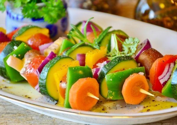 Manfaat sayur dan buah untuk mengatasi jerawat